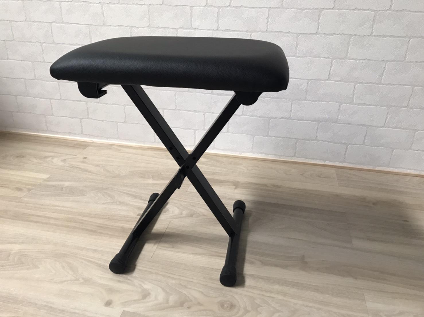X脚タイプの椅子
